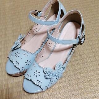 アクシーズファム(axes femme)のaxes femme 蝶飾り付サンダル靴(サンダル)