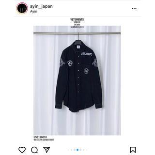 VETEMENTS Levi's デニムシャツ ブラック S 正規品 新品(シャツ)