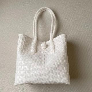 カスタネ(Kastane)のmekearisa gummy bag ホワイト(トートバッグ)