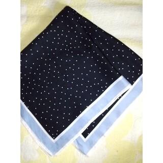 ユニクロ(UNIQLO)のユニクロ☆シルクスカーフ(バンダナ/スカーフ)
