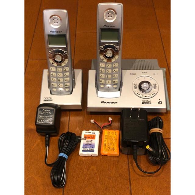 Pioneer(パイオニア)のパイオニア 電話機 スタイリッシュコードレスホン TF-FD1220-s スマホ/家電/カメラの生活家電(その他)の商品写真