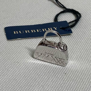 バーバリー(BURBERRY)のBURBERRY バーバリー ノヴァチェック バッグ ペンダントトップ 925(ネックレス)