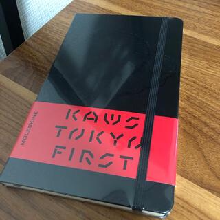 メディコムトイ(MEDICOM TOY)のKAWS TOKYO FIRST Moleskine カウズ  (アート/エンタメ)