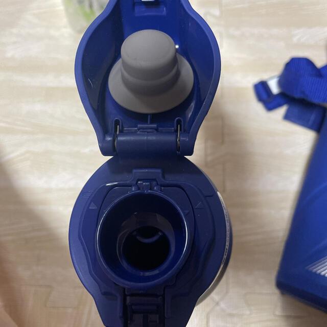 象印(ゾウジルシ)の新品 ミズノ ZOJIRUSHI 象印ステンレス クールボトル1.0L キッズ/ベビー/マタニティの授乳/お食事用品(水筒)の商品写真