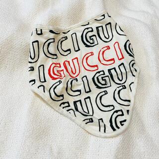 グッチ(Gucci)のGUCCI♢グッチ ロゴスタイ/よだれかけ(ベビースタイ/よだれかけ)