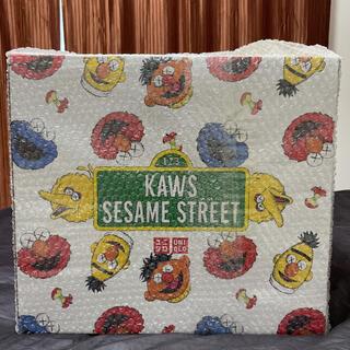 シュプリーム(Supreme)のKaws SESAME street UNIQLO ぬいぐるみ(ぬいぐるみ)