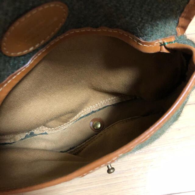 WHITEHOUSE COX(ホワイトハウスコックス)のホワイトハウスコックス ショルダーバッグ グリーン系 ウールxレザー  レディースのバッグ(ショルダーバッグ)の商品写真