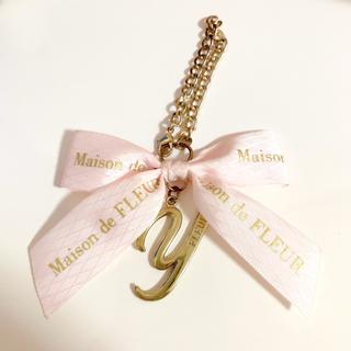 メゾンドフルール(Maison de FLEUR)のメゾンドフルール イニシャルチャーム ピンク Y(バッグチャーム)