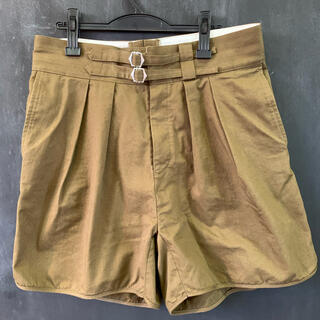 コモリ(COMOLI)のNEAT Gurkha Shorts オーダー品 オリーブ L(ショートパンツ)