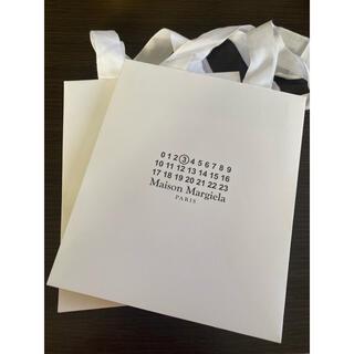 マルタンマルジェラ(Maison Martin Margiela)の【新品/未使用】メゾンマルジェラ ロゴ入りペーパーバッグ×2(トートバッグ)