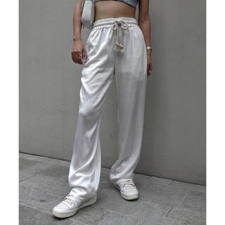 アリシアスタン(ALEXIA STAM)の新品  aclent ☺︎ Waist rope satin pants  (カジュアルパンツ)