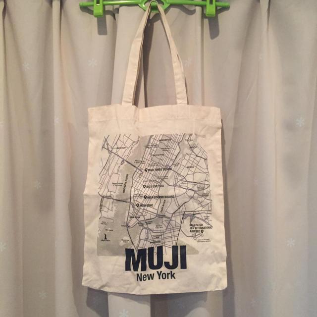 MUJI (無印良品)(ムジルシリョウヒン)の無印NYエコバッグ MUJI ニューヨーク限定 レディースのバッグ(エコバッグ)の商品写真