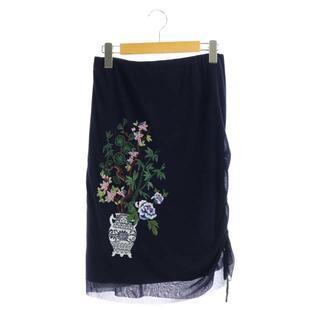 ヴィヴィアンタム(VIVIENNE TAM)のヴィヴィアンタム サイドギャザー花柄刺繍スカート 膝丈 タイト 40 紺(ひざ丈スカート)