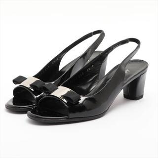 サルヴァトーレフェラガモ(Salvatore Ferragamo)のフェラガモ ヴァラ パテントレザー 6.5 ブラック レディース その他靴(その他)