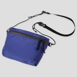 ユニクロ(UNIQLO)のユニクロ ライトウェイトファニーバッグ ブルー(ショルダーバッグ)