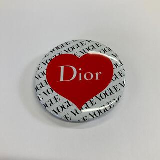 ディオール(Dior)の値下げ中!VOGUE x Dior⭐︎缶バッジ(その他)