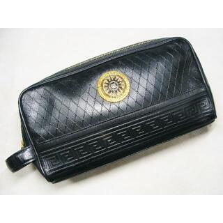 ヴェルサーチ(VERSACE)のVERSACEヴェルサーチ太陽神モチーフ柄型押レザー皮革セカンドクラッチバッグ鞄(セカンドバッグ/クラッチバッグ)