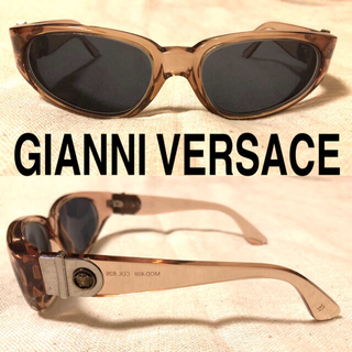 ジャンニヴェルサーチ(Gianni Versace)のGIANNI VERSACE サングラス メデューサ 着画有り(サングラス/メガネ)