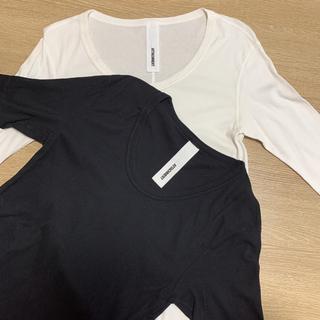 ATTACHIMENT - ATTACHMENT Tシャツ