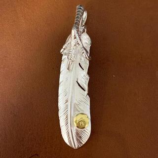 ゴローズ(goro's)の18kメタル銀爪フェザー(ネックレス)