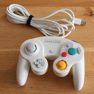 ニンテンドウ(任天堂)のゲームキューブコントローラー(ゲーム)