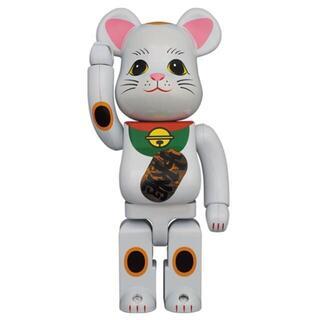 メディコムトイ(MEDICOM TOY)のBE@RBRICK 招き猫 白メッキ 発光 400% ベアブリック 2個セット(その他)