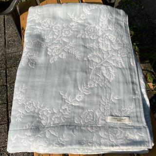 ローラアシュレイ(LAURA ASHLEY)のシングルガーゼケットダックエッグ 5層ガーゼジャカード織り ローラアシュレイ  (毛布)