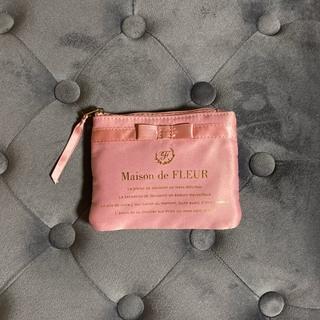メゾンドフルール(Maison de FLEUR)の本日限定価格メゾンドフルールmaison de fleurティッシュケースポーチ(ポーチ)