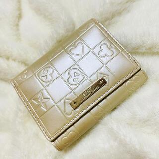 サマンサタバサ(Samantha Thavasa)の美品 サマンサタバサ STNY 三つ折り財布 型押し レザーがま口(財布)