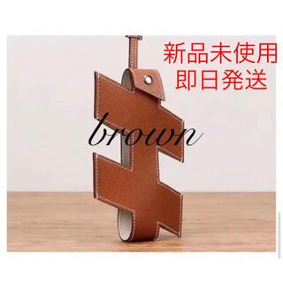 新入荷 エレガント オシャレ  グッドデザイン 携帯 スマホ ブラウン(モバイルケース/カバー)