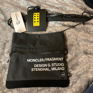 MONCLER FRAGMENT サコッシュ モンクレール(ショルダーバッグ)