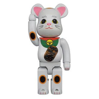 メディコムトイ(MEDICOM TOY)のBE@RBRICK 招き猫 白メッキ 発光 400% 新品 未開封(その他)