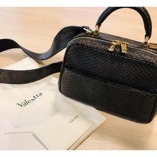ヴァレクストラ(Valextra)のvalextra ヴァレクストラ SerieS 希少パイソン柄 定価70万美品(ハンドバッグ)
