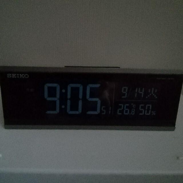 SEIKO(セイコー)のSEIKO  電波デジタル目覚まし時計 DL206S 液晶暗いのでジャンク扱い インテリア/住まい/日用品のインテリア小物(置時計)の商品写真