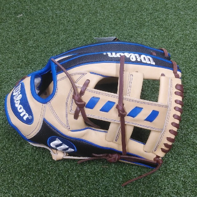 wilson(ウィルソン)のウィルソン 最新モデル!一般用内野手用グラブ アルトゥーベモデル スポーツ/アウトドアの野球(グローブ)の商品写真