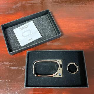 ビーエムダブリュー(BMW)の[新品‼️非売品‼️]BMW Key ring (キーリング 大)お箱付き(ノベルティグッズ)