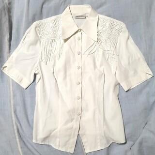ロキエ(Lochie)のブラウス ホワイト リボン ヴィンテージ 白 42 レース フリンジ(シャツ/ブラウス(半袖/袖なし))