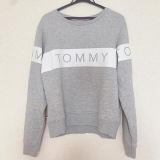 トミー(TOMMY)のTOMMY JEANS トミージーンズ トレーナー グレー(トレーナー/スウェット)