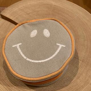 フランフラン(Francfranc)のラウンドポーチ smile ニコちゃんマーク(ポーチ)