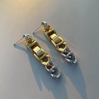 フレイアイディー(FRAY I.D)のContrast drop chain pierce No.562(ピアス)