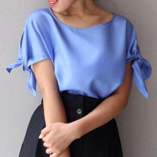 ノーブル(Noble)のフレンチスリーブ リボンブラウス(ブルー)◆ノーブル・NOBLE  (シャツ/ブラウス(半袖/袖なし))