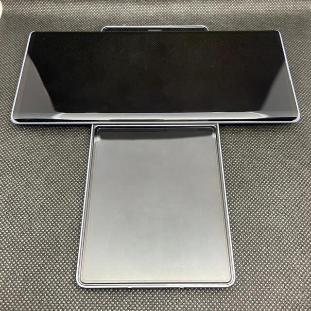 LG Electronics(エルジーエレクトロニクス)のLG Wing 5G 韓国キャリア版 イリュージョンスカイ スマホ/家電/カメラのスマートフォン/携帯電話(スマートフォン本体)の商品写真