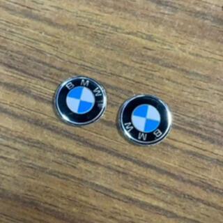 ビーエムダブリュー(BMW)のBMW アルミ製キーエンブレムステッカー 2個セット(車内アクセサリ)