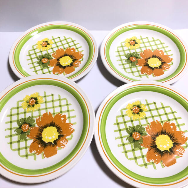 NIKKO(ニッコー)のNIKKO* オールドニッコー レトロ 花柄 中皿 4枚セット インテリア/住まい/日用品のキッチン/食器(食器)の商品写真