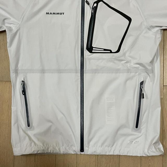 Mammut(マムート)の未使用タグ付 マムート エアロスピード ジャケット 収納袋付き メンズのジャケット/アウター(マウンテンパーカー)の商品写真