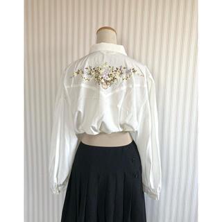 古着 ヴィンテージ   花束 刺繍 ポリシャツ  ブラウス レトロ ビンテージ(シャツ/ブラウス(長袖/七分))