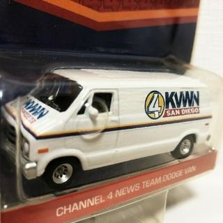 クライスラー(Chrysler)のGLグリーンライト/Channel 4 Dodgeダッジ Ramラム 1/64(ミニカー)