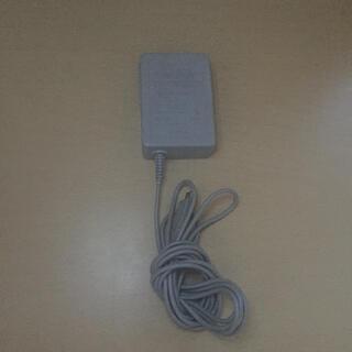 ニンテンドウ(任天堂)の3DS 充電器(バッテリー/充電器)