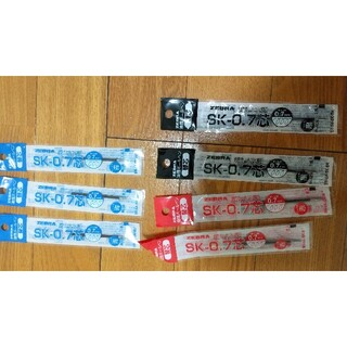 ゼブラ(ZEBRA)のZEBRA 油性ボールペン 替芯 SK-0.7   黒2本、赤2本、青3本(その他)