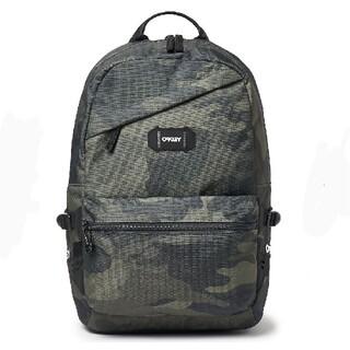 オークリー(Oakley)のOakley Street Backpackオークリー バックパックカモフラ(バッグパック/リュック)